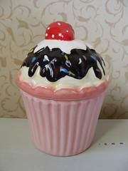 Cupcake Trinket Jar (**Cupcake Boutique**) Tags: pink ceramic cupcakes strawberry chocolate jar trinket multicolouredsprinkles scallopededging