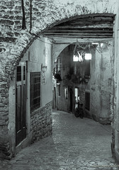 Rovinj - old town at night B&W (Suzie Maitland) Tags: street blackandwhite monochrome night croatia cobbles rovinj istria