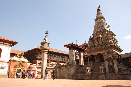 "d13 Bhaktapur, PAtan (11) <a style=""margin-left:10px; font-size:0.8em;"" href=""http://www.flickr.com/photos/125852101@N02/17686480938/"" target=""_blank"">@flickr</a>"