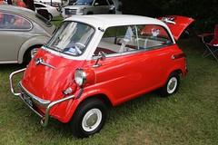 1958 BMW 600 Isetta (Bill Jacomet) Tags: red club texas yacht tx wheels 600 bmw 1958 and lakewood seabrook isetta 58 keels 2015