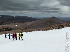Derry Cairngorm (zetafiddler) Tags: friends walking landscape saipem powershotg16