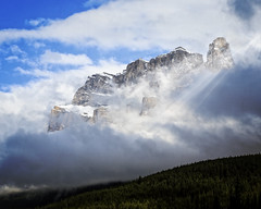 Spectacular Rocky Mountains (lowebowes) Tags: clounds mountains rockymountains sunbeams snow travelalberta lightbeams landscapes mountainscape