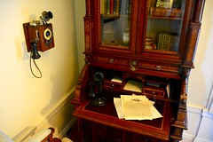 USA 2016  Portland OR  Pittock Mansion  Desk (Michiel2005) Tags: telephone telefoon desk bureau pittockmansion portland oregon or usa unitedstatesofamerica unitedstates
