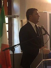Matteo Renzi durante la sua visita ad Alessandria sul ponte Meier e alla Cittadella 4