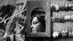 Tras el espejo (trarsi) Tags: portrait granada andalucia espaa alhambra arabe espejo glass portraits blackwhite blancoynegro shop woman girl 206 2016 travel october
