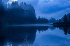 Dusk at Loch Ard (Anne Oldfield) Tags: lochard scotland loch dusk mist trees water atmosphere reflection blue