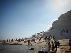 A Busy Day at Scala dei Turchi. #scaladeiturchi #sicily #italy #travel #geology #sea #mare #outdoors #nature #rocks (dewelch) Tags: ifttt instagram a busy day scala dei turchi scaladeiturchi sicily italy travel geology sea mare outdoors nature rocks