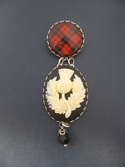 Ancient Romance Series - Scottish and Irish Tartans Collection - Wallace Clan Tartan Fob Brooch with 40x30mm Thistle Cab in Ivory and Black Antique Silver Finish