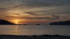 Sonnenuntergang am Stand (Foto-Unlimited) Tags: balearen boote europa mallorca meer santa ponsa sonnenuntergang spanien wasser fotounlimited