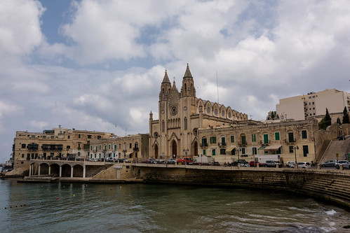 Walking from Sliema to St. Julian's