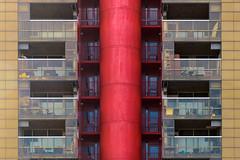 Galerij Rotterdam (Pieter ( PPoot )) Tags: rotterdam galerij binnenrotte rood balkon geel symmetrie