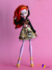 OPERETTA (PurpleandOrangeMH) Tags: monster high doll reroot frankie draculaura cleo clawdeen spectra lagoona operetta rochelle venus orange purple punta arenas chile dolls custom jackson clwd hotl hit sirena nefera ooak repinted hair pink black moucedes peri pearl we welcome