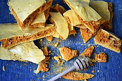 Honeycomb/sponge toffee (Yummilicious Cakes & Desserts) Tags: candy honeycomb homemade delicious yummy food dessert yummiliciouscakesanddesserts