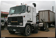 "Mack MH 613 / Ultraliner ""F.E.T."" (uslovig) Tags: truck lkw lastwagen camion lorry lastkraftwagen coe cab over engine cabover mack mh 613 ultraliner fet contracting trucking company st louis missouri usa"