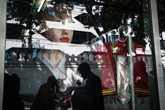 #19 (Sakulchai Sikitikul) Tags: street snap streetphotography summicron songkhla sony a7s 35mm thailand bangkok reflection mannequin silhouette leica