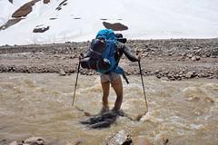 guado del rio Yuegas Mortas... (wildphotoshooter) Tags: scialpinismo cile ande avalco guado rioyuegasmortas valleyeso vallemaipo