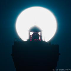 _D817955-La lanterne des Pierres Noires (Brestitude) Tags: phare lighthouse pierres noires lanterne rouge mer sea iroise bretagne finistère breizh brestitude contrejour ©laurennevo2016