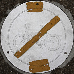 No cycling (Leo Reynolds) Tags: bike bicycle sign canon eos iso100 cycling cycle 7d squaredcircle f80 signsafety signno 0008sec 47mm hpexif signnosmoking signcirclebar xleol30x sqset077