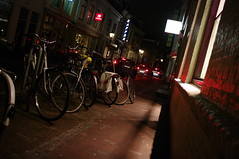 Utrecht (milov) Tags: street light signs cars utrecht nightshot traffic perspective bicycles crooked springweg 21mm kapper improvisedtripod k20d