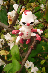 Croustille la Chenille 02 (The Maman Panda) Tags: cute doll artist ooak clown caterpillar resin poupe tendres chimeres