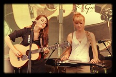 Larkin Poe (Avro Vulcan) Tags: music festival concert event convention 2012 cropredy larkinpoe