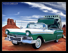 Desert Ford (*_Alexis) Tags: ford classiccar desert 1957 monumentvalley fairlane retractable skyliner automotivephotography