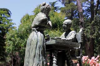 MADRID / Parque del Retiro, pequeña escultura (22/06/2013)