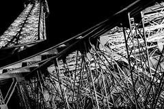 La tour effiloche (II) (Leonard M.) Tags: world pictures paris photo tour photos cit picture eiffel journey toureiffel viaggio citt parigi villelumire effiloche