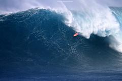IMG_3462 copy (Aaron Lynton) Tags: peahi lyntonproductions canon 7d maui hawaii xll xxl bigwave big wave wsl surf surfig surfing jaws peahichallenge