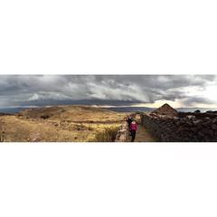 PACHATATA | ISLA AMANTANI | SAMPA! | LAGO TITICACA ~ 3812 m | PUNO | PER | 2016 (Leo210321) Tags: instagramapp square squareformat iphoneography uploaded:by=instagram latergram maldiperu memoriesofperu peruviandays islaamantani lagotiticaca titicaca igpuno igerspuno ande per peru latinoamerican people reallife portrait