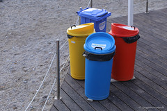 Colorful recycling (Jrgen Kornstaedt) Tags: canon eos6d ef24104 lerici liguria italy it