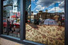 London Shake (Pensiero) Tags: londra london reflection people street cloud clouds gente nuvole shop cafe mirror glass specchio vetro sofa divano