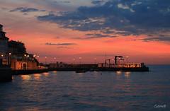 Esos momentos que son solo tuyos (lesxanes) Tags: sunrise amanecer cielo sky puerto port seascape luanco asturias espaa spain canon70d sea mar quietness tranquilidad