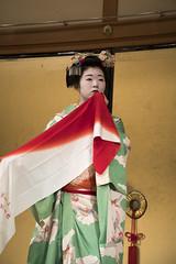 Gion Corner (maiko.gallery) Tags: red maiko geiko geisha hanamachi kimono gion kyoto japan kyomai miyako odori