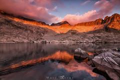 Sunset in the Pyrenees (MarcTC96) Tags: aneto pirineos auttum otoo mountain montaa atardecer sunset nubes lago ibn coronas ibndecoronas tokina1116 canon 6d huesca aragn marctc96