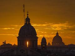 un tuffo nella Storia - a dip in the History (Jorge Orezzi) Tags: roma rome dome cupola italy italia capitale sunshine color nikon tramonto beautiful