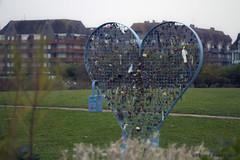 18-Deauville (Pierrokaphoto) Tags: coeur cadenas batiments pelouse