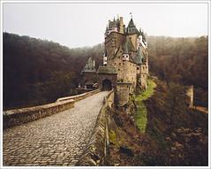 what eltz (Andibart) Tags: burgeltz eifel eltz castle burg landscape autumn herbst landschaft