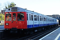 D stock 7123 (Rail Adhesion Train)   Harrow on the Hill (AL6NT.) Tags: 7 t