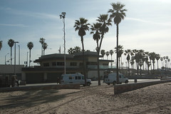 Huntington Beach Surfing2012-031March 28, 2012.jpg (chuckrozner) Tags: beach newsvan microwavetruck kttv engvan