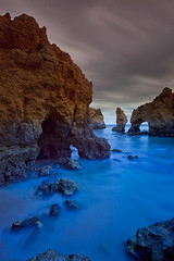 Ponta da Piedada (peter.guyan) Tags: beach portugal clouds canon eos long exposure waves lagos coastal algarve pontadapiedada leefilters 09nd 5dmkii eos5dmkii bigstopper straw3