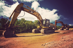 20130525_04_01 (Take Her Down) Tags: cat caterpillar guam