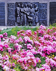 The Kate Sheppard Memorial (Steve Taylor (Photography)) Tags: city pink flowers newzealand christchurch sculpture bronze plaque memorial purple panel canterbury nz southisland womensrights basrelief katesheppard voteforwomen suffragettes femmina oxfordterrace womenssuffrage margrietwindhausen katesheppardnationalmemorialreserve