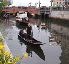 The Gong Boat leads the Lighting Procession