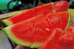 SONY Cyber-shot DSC-RX100 Test Shot (Sweet Watermelon) (Dakiny) Tags: food plant japan fruit photo sony snapshot july cybershot snap watermelon photograph yokohama   carlzeiss       tstar 2013 rx100   aobaku carlzeisslens     2013  dscrx100  sonycybershotdscrx100 obacho bariozona t