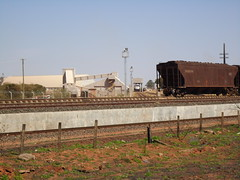 14126 TIA, instalao de descarga de fertilizante, Brejo Alegre - Araguari MG     (2) (Johannes J. Smit) Tags: brasil vale trens vli