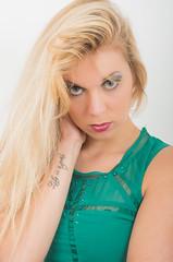 Roxane (HD)-36 (Lefort Johan) Tags: cactus up studio makeup blonde blanc maquillage fond modele roxane lastolite 50mm14sigma johanlefort pentaxk5ii