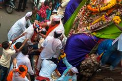 Ganpati Visarjan (iamShishir) Tags: india maharashtra mumbai visarjan ganpati chowpatty girgaon girgaum