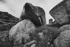 Monsanto - campanrio (Antnio Alfarroba) Tags: church ruins rocks view ruin ruina ruinas igreja vista mega monsanto rochas granit granito