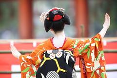 Maiko performance (Teruhide Tomori) Tags: portrait woman festival japan lady hair dance kyoto performance event maiko   tradition japon odori  kanzashi    canonef300mmf28lis   canoneos5dmark